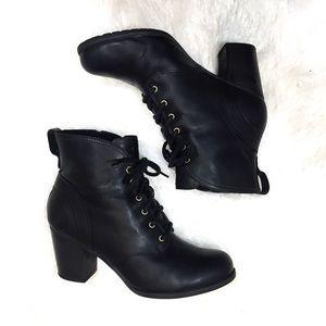 Timberland Heeled Leather Booties Black 9.5